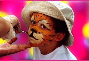 Máscaras e serpentinas no Carnaval do Jardim Zoológico